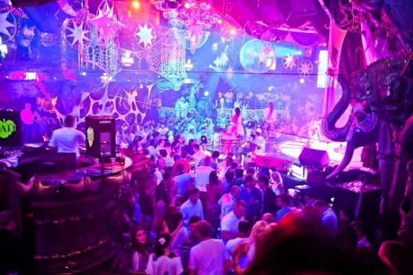 пятна белыми лучшее вечеринка клуб рай подход